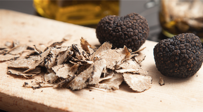 DELICIOUS MEATBALLS WITH BLACK TRUFFLE