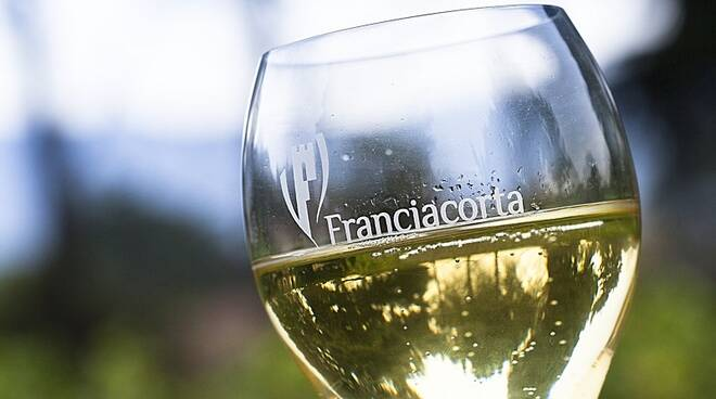 FRANCIACORTA WINE: WHERE IT COME FROM AND DIFFERENT TYPES