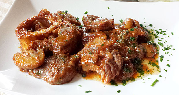 A GREAT CLASSIC OF ITALIAN CUISINE: VEAL SHANKS MILAN-STYLE